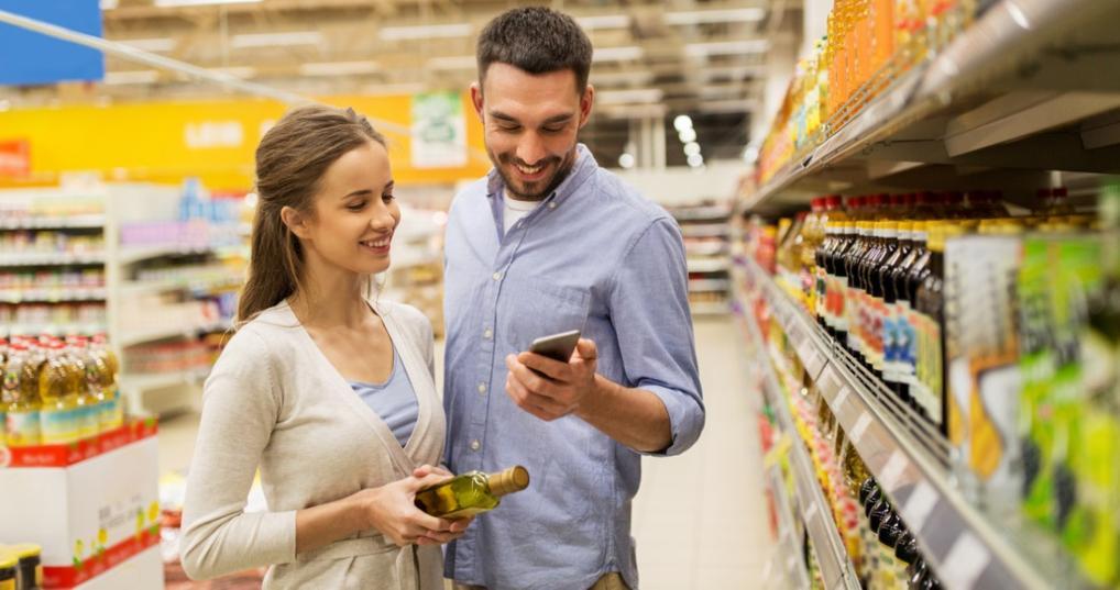 Couple earning cash back at Walmart