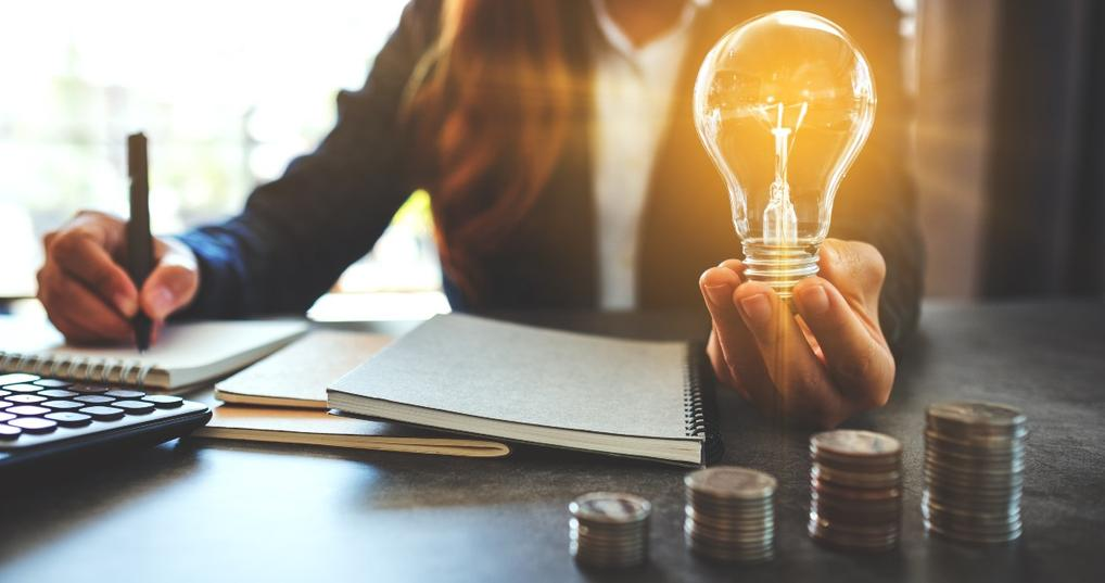 17 Ways Smart Spenders Save Money on Utilities