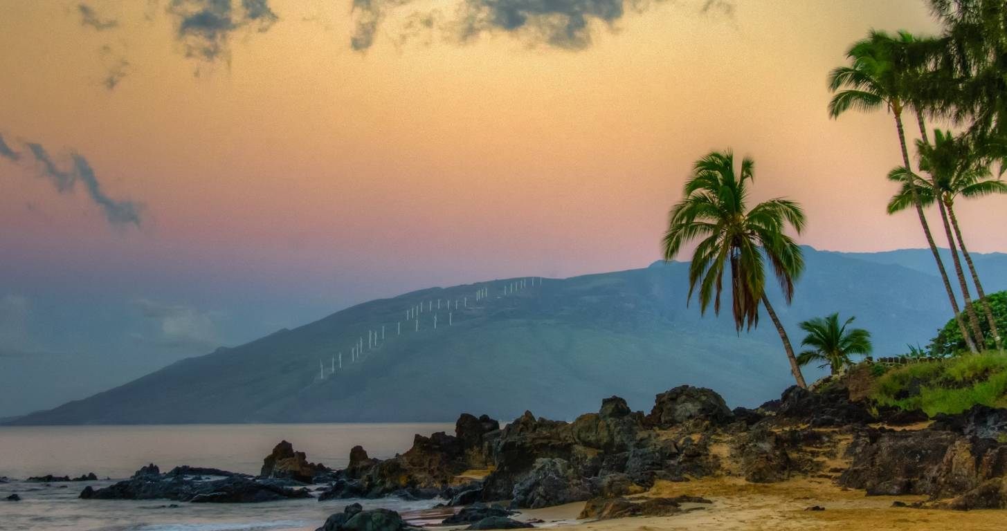 vacation to hawaii with travel rewards