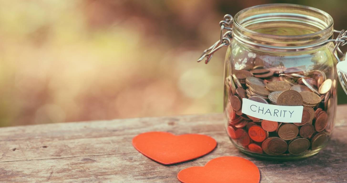 19 Ways to Pay it Forward (While Still Paying into Your Savings)