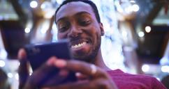 Man using Trim app on his phone