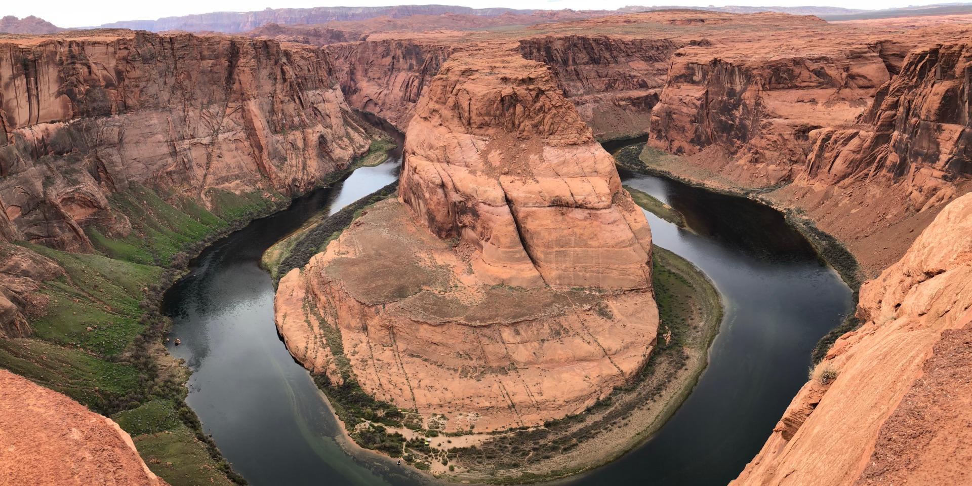 Horseshoe Bend Zoom Background